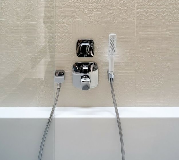 hansgrohe armatur til dusj og badekar dusjarmatur badekararmatur. Black Bedroom Furniture Sets. Home Design Ideas